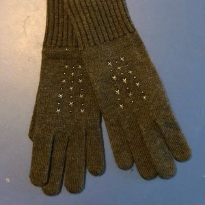 New with Tags Coach embellished Gray gloves